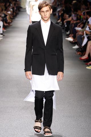 Неделя мужской моды в Париже: День 3. Изображение № 16.