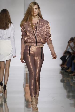 Epic fails: Увольнение Гальяно, коллекция Уэста и другие модные провалы 2011 года. Изображение № 10.