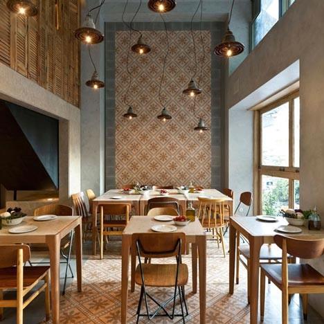 На скорую руку: Фаст-фуды и недорогие кафе 2011 года. Изображение № 80.