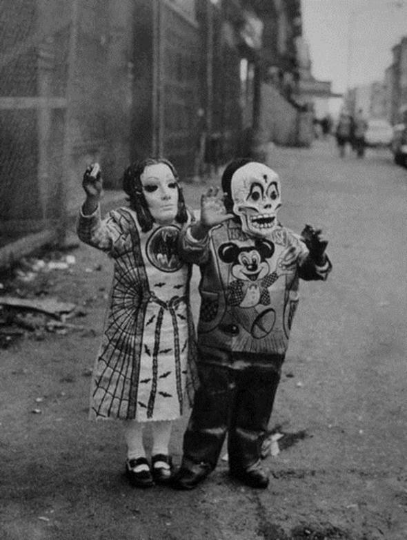 Изображение 2. Восемь фотографов сюрреалистов.. Изображение № 60.