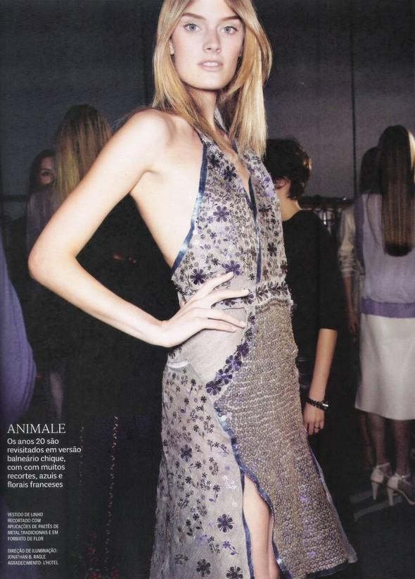 Съёмка: фотографии с бэкстейджей в бразильском Vogue. Изображение № 14.