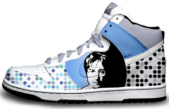 Метаморфозы белых кроссовок Nike. Изображение № 11.