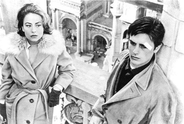Кинокритик газеты The New York Times Энтони Скотт. Кадр из фильма «Рокко и его братья» Лукино Висконти . Изображение № 12.