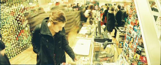 Галерея-магазин Ломографии вНью-Йорке. Изображение № 17.