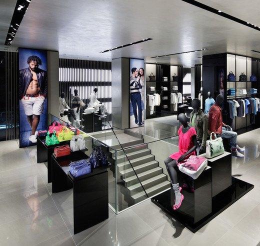 Emporio Armani, Mulberry и Versace открыли новые магазины. Изображение № 8.