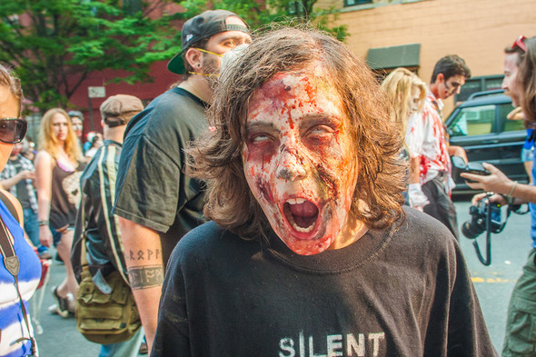 Зомби парад в Нью Йорке. NYC Zombie Crawl.. Изображение № 31.