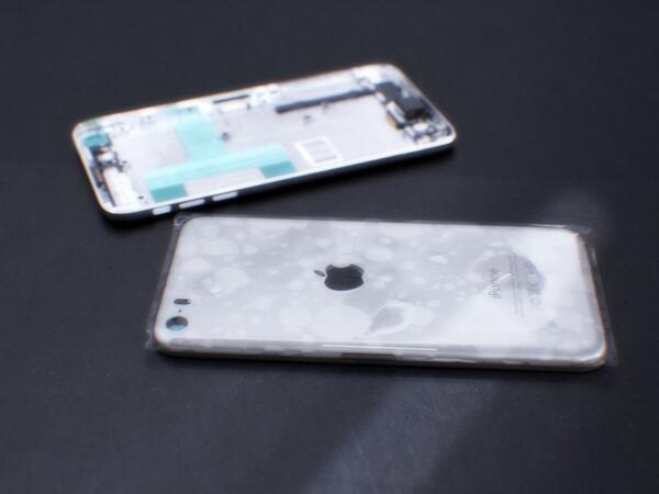 Опубликованы первые фотографии с возможным видом iPhone 6. Изображение № 4.