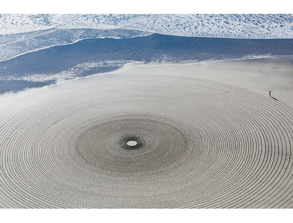 Новая земля: Гид по современному ленд-арту. Изображение № 80.