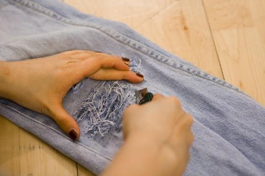 Каксобственноручно порвать джинсы. Изображение № 4.
