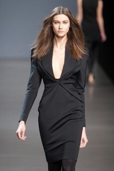 Valentin Yudashkin. Fall-Winter 2010-2011. Изображение № 4.