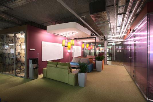 Google Moscow Office (арх. бюро CAMENZIND EVOLUTION) Архитектор: Т. Руэгг. Изображение №17.