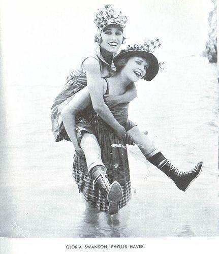 Ретро-купальники. Изображение № 1.