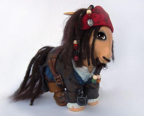 MyLittle Pony играют вкино. Изображение № 14.