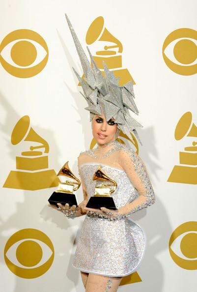 Очередные метаморфозы Lady Gaga. Изображение № 25.
