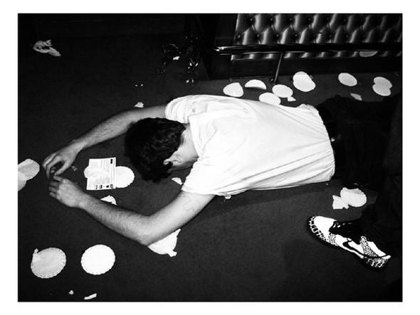 Короли вечеринок: 10 фотографов, снимающих светские и молодежные тусовки. Изображение № 96.