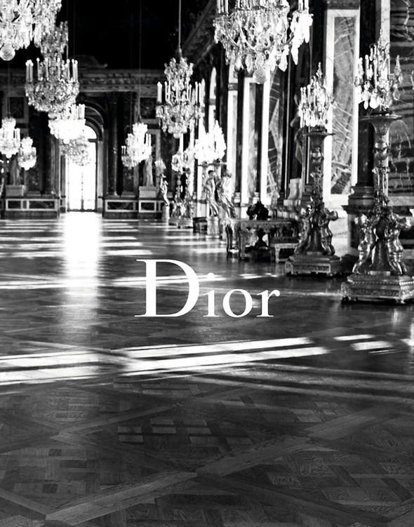 Кампании: Dior, Versace, Gucci и Burberry. Изображение № 5.