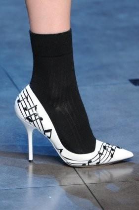Dolce & Gabbana FW 2011. Изображение № 45.