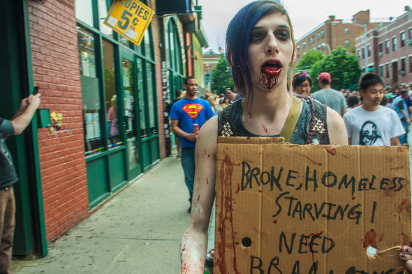 Зомби парад в Нью Йорке. NYC Zombie Crawl.. Изображение № 44.