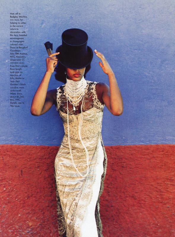 Архивная съёмка: Наоми Кэмпбелл и Эллен фон Унверт для Vogue, 1998. Изображение № 9.