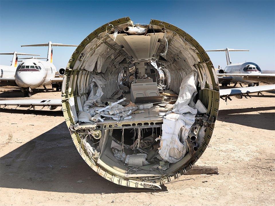 Кладбище самолётов  в выжженной пустыне . Изображение № 2.