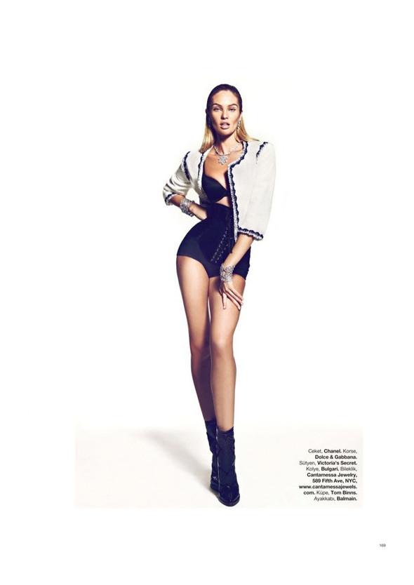 Съёмка: Кэндис Свейнпол для Harper's Bazaar. Изображение № 3.