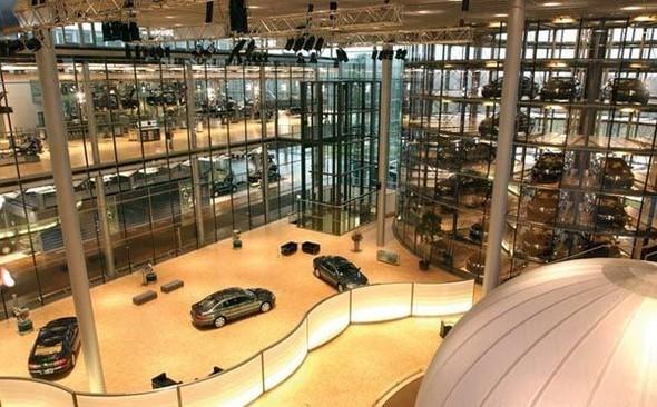 Стеклянная мануфактура Volkswagen. Изображение № 19.