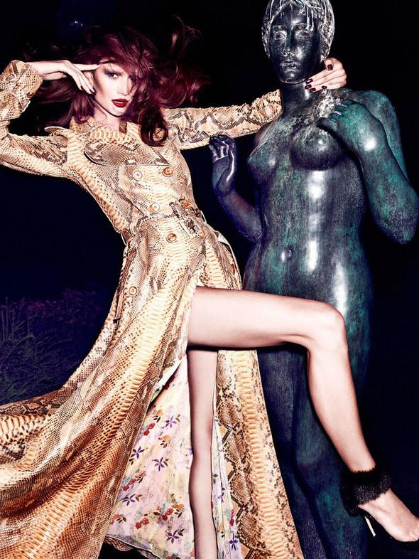 Съёмка: Тара Джилл для Vogue. Изображение № 4.