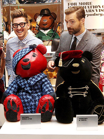 Медвежья услуга: плюшевые мишки от модных дизайнеров. Изображение № 4.