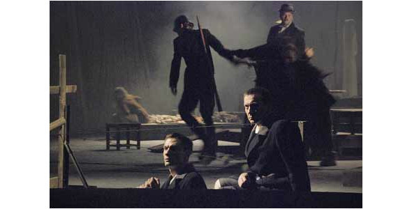 Illuminated Faces написал музыку к спектаклю. Изображение № 4.