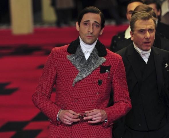 Марш джентельменов: звезды кино в мужской коллекции Prada. Изображение № 1.