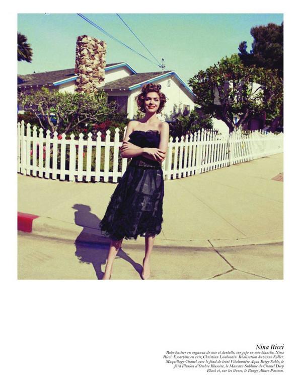 Съёмка: Аризона Мьюз, Лара Стоун, Наташа Поли и другие модели во французском Vogue. Изображение № 44.