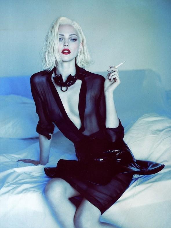 Превью съёмки: Саша Пивоварова для Vogue. Изображение № 3.