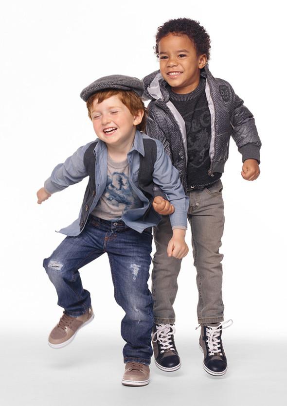 Все лучшее детям: лукбуки D&G, Gucci, John Galliano, Burberry. Изображение № 7.