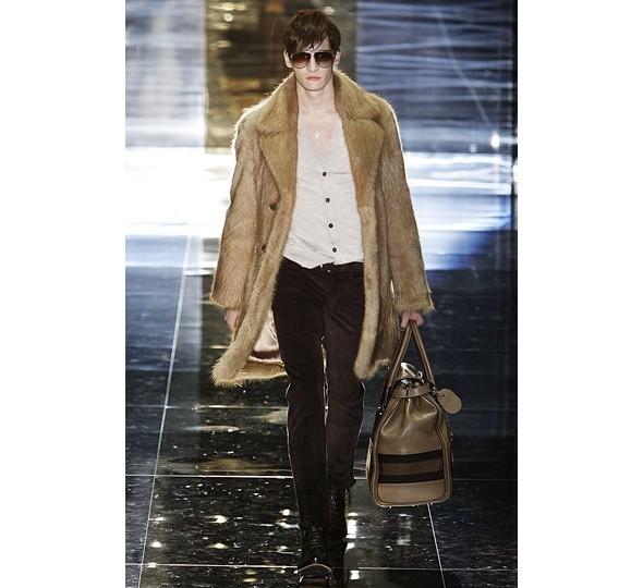 Трансляция показа новой мужской коллекции Gucci. Изображение № 2.