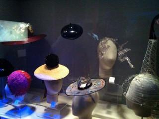 Шляпка-одуванчик для выставки великого шляпника Стивена Джонса. Изображение № 15.