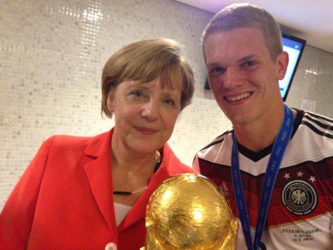 Маттиас Гинтер и канцлер Германии Ангела Меркель. Изображение № 14.