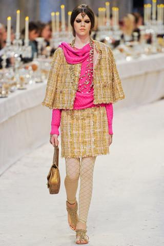 Chanel показали пре-осеннюю коллекцию. Изображение № 31.