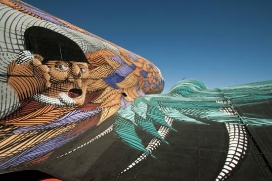 Крупнейший музей авиации раскрасил старые самолеты. Изображение № 7.