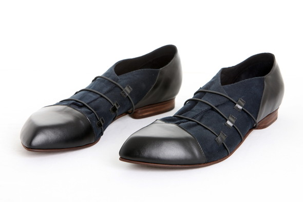 Проба пера латвийских обувщиков. Изображение № 6.