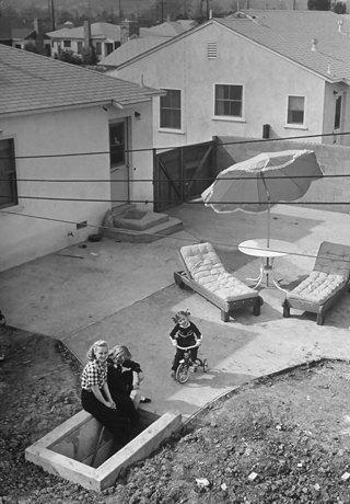 Какими представляли бомбоубежища в разгар холодной войны. Изображение № 4.