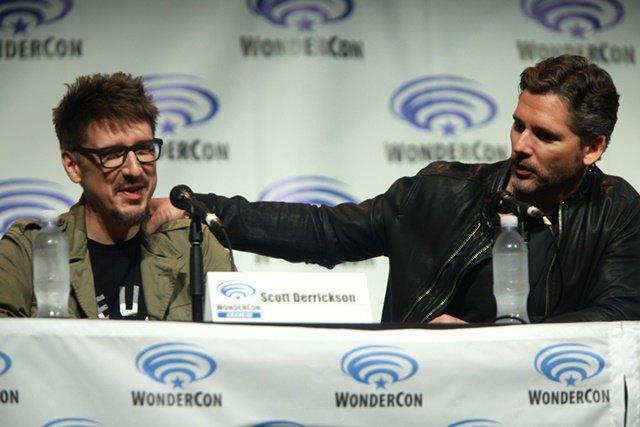 Скотт Дерриксон (слева) и Эрик Бана на WonderCon в 2014 году. Изображение № 2.