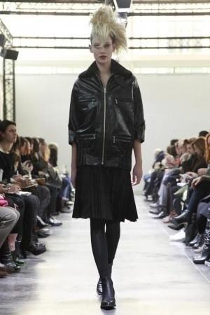 Изображение 5. Показы на Paris Fashion Week FW 2011: день 5.. Изображение № 2.