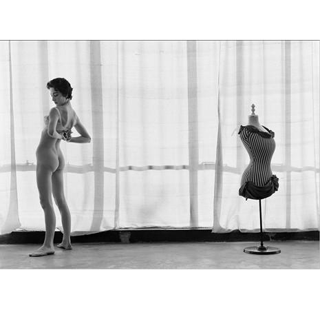 Части тела: Обнаженные женщины на фотографиях 50-60х годов. Изображение № 129.
