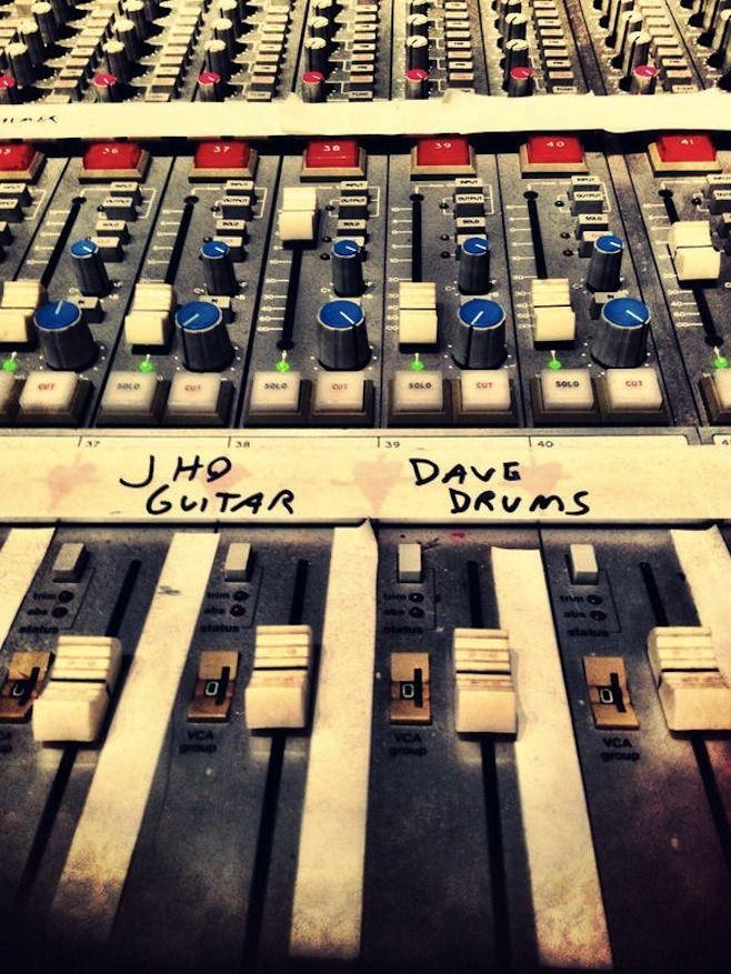 Queens Of The Stone Age записывают альбом с Дейвом Гролом. Изображение № 1.