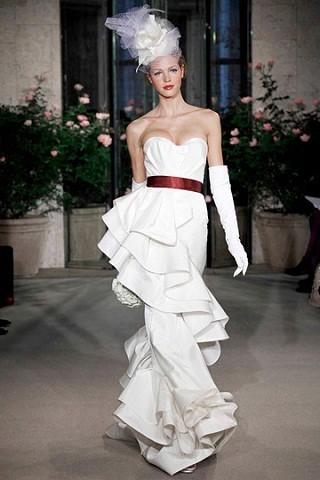 """""""Выбираем свадебное платье!"""" 93 идеи ведущих дизайнеров. Изображение № 69."""