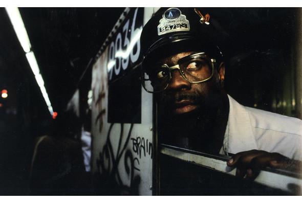 Метрополис: 9 альбомов о подземке в мегаполисах. Изображение № 21.