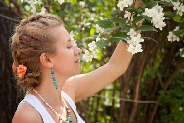 Цветы в волосах. Изображение № 1.
