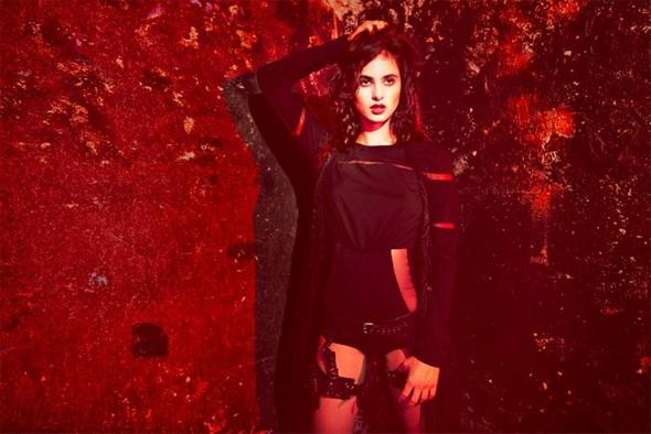 Dark glam Джулии Комита.. Изображение № 6.