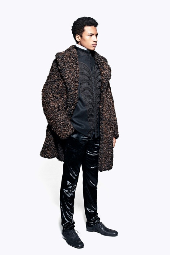Мужские лукбуки Alexander McQueen, Comme des Garcons, Louis Vuitton и Club Monaco. Изображение № 30.