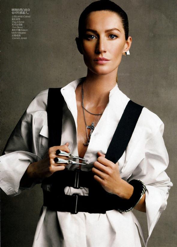 Изображение 60. Съемки: Harper's Bazaar, Metal, V и Vogue.. Изображение № 55.